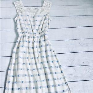 Old Navy beige/blue fine pattern maxi dress xs